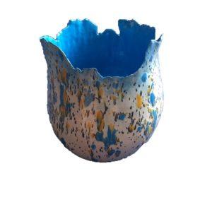 vaas felblauw met kristallen